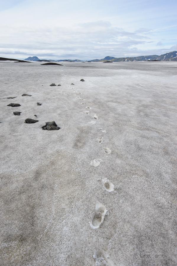 traversée du Maelifellssandur dans les hautes terres d'Islande