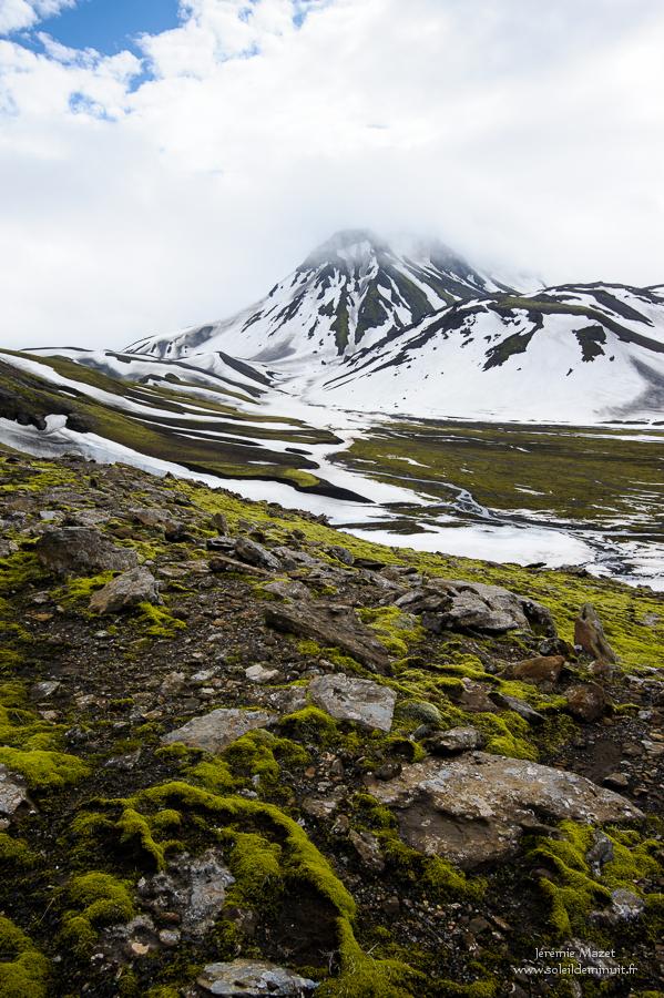 Strutur couvert de neige , hautes terres d'Islande