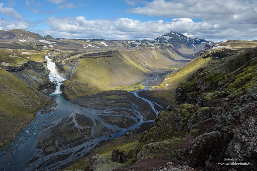 ofaerufoss dans la faille d'eldgjá, parc national de Vatnajökull