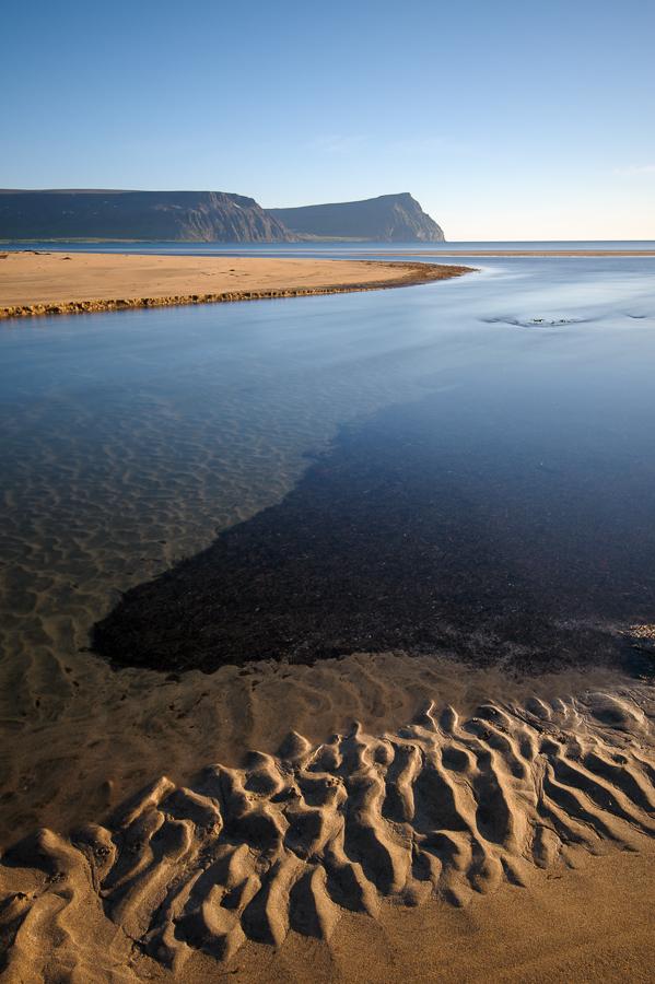 vue sur la baie d'Adalvik en Islande dans le Hornstrandir