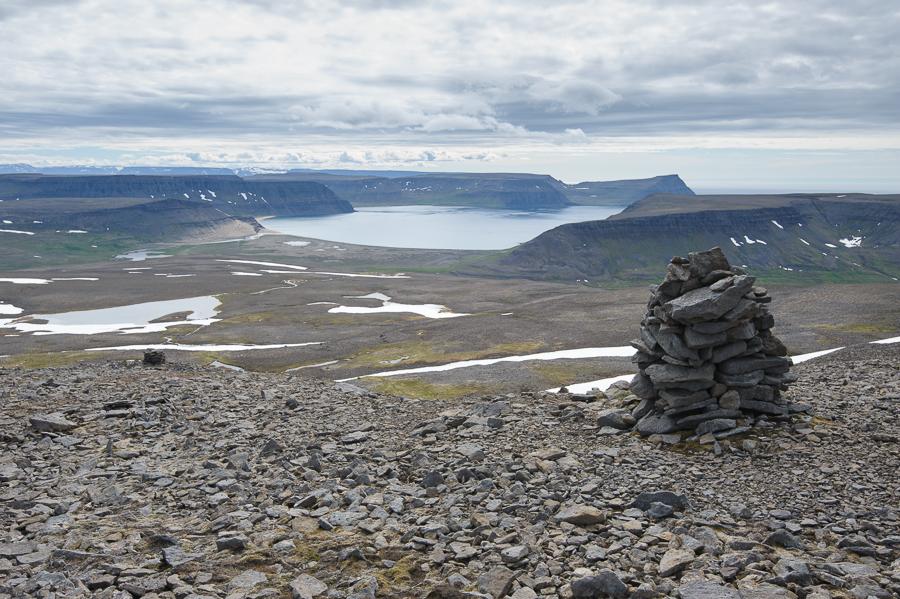 cairn en Islande pres de Latravik