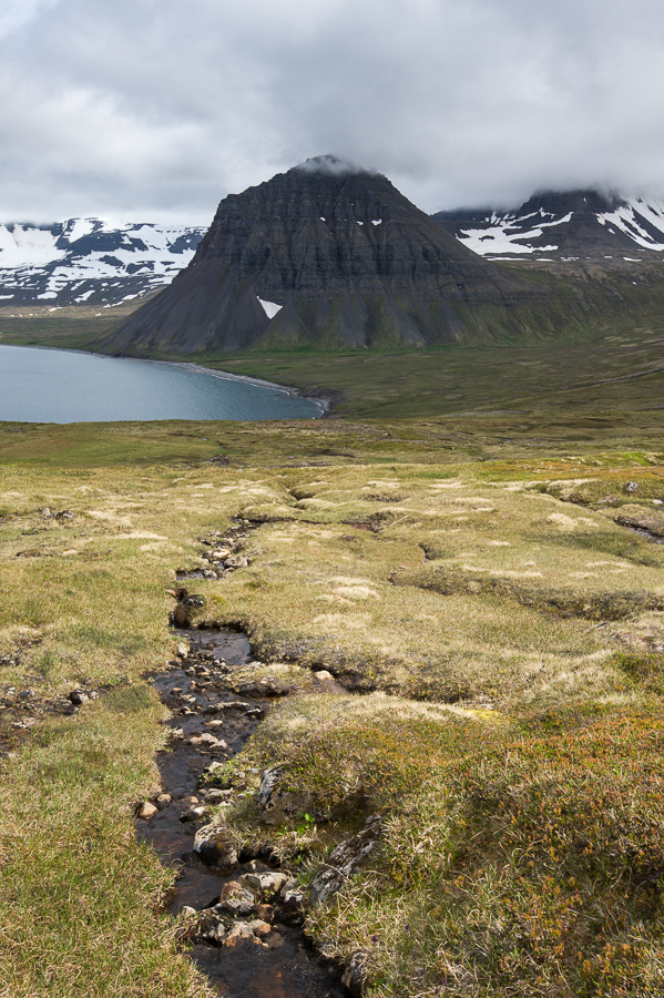 montagne pyramidale Alfsfell en Islande, Hornstrandir