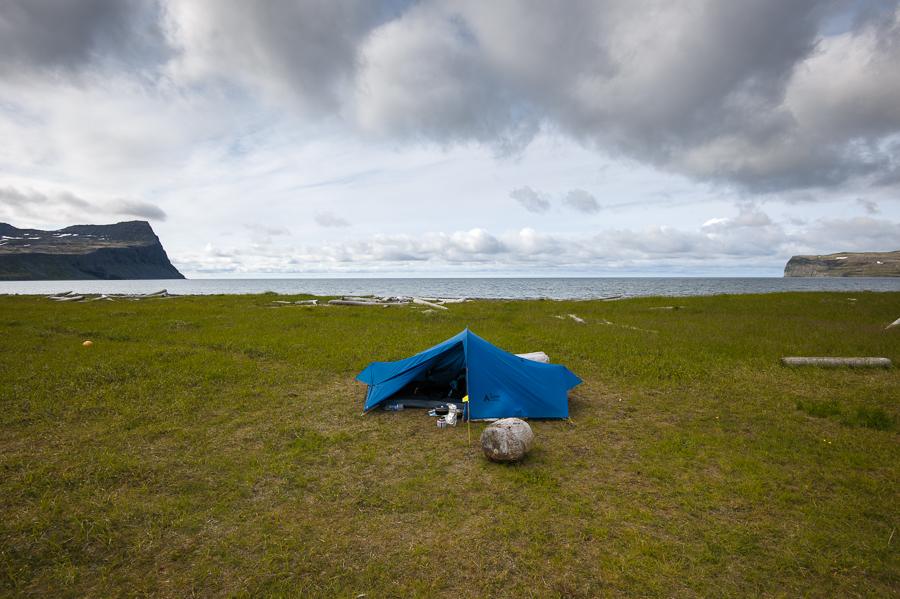 bivouac sur une plage du Hornstrandir