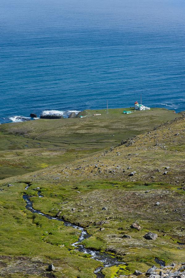 le phare de Latravik dans les fjords de l'ouest