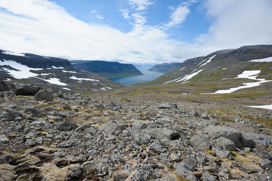 vue sur Veidileysufjördur depuis le col de Hafnarskard