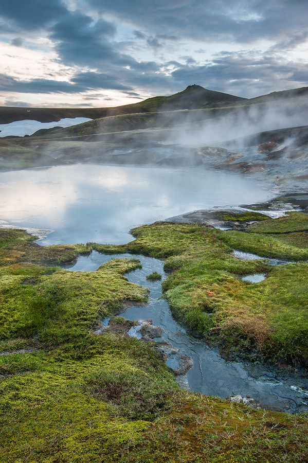 source chaude géo-thermale en islande