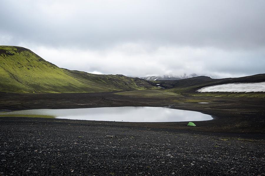 bivouac près d'un lac en Islande