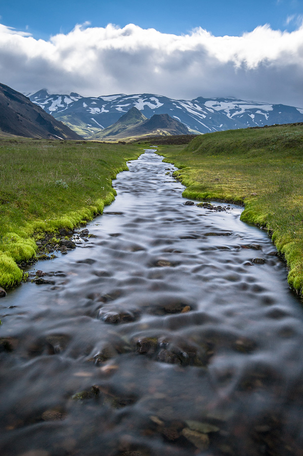 petit ruisseau près du Tindfjallajökull, Réserve de Fjallabak