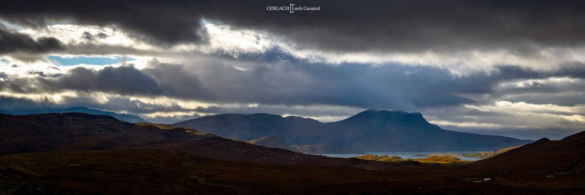 le Loch Canaird , pres d'Ullapool, highlands du nord d'ecosse