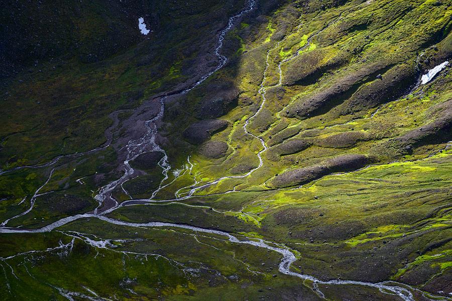 rivière en Islande dans les fjords du nord