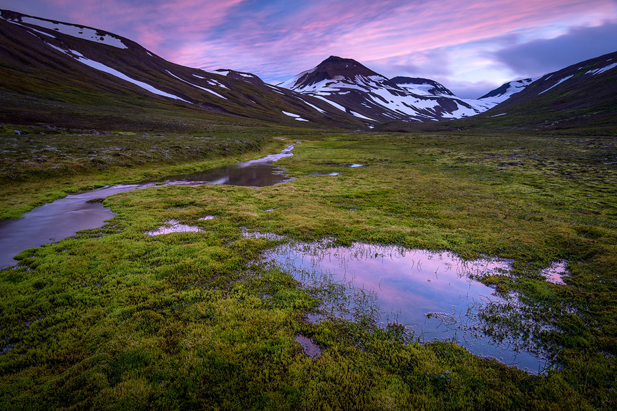 coucher de soleil dans la vallée de Glerardalur, Islande