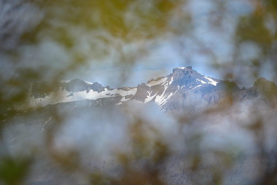 montagne avec neige en Islande