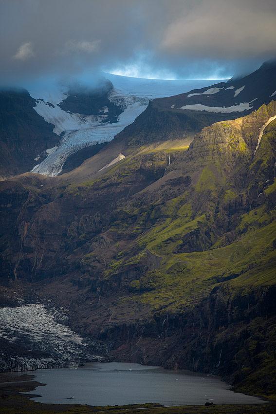 Paysage de glace dans le parc national de Skaftafell au sud de l'Islande
