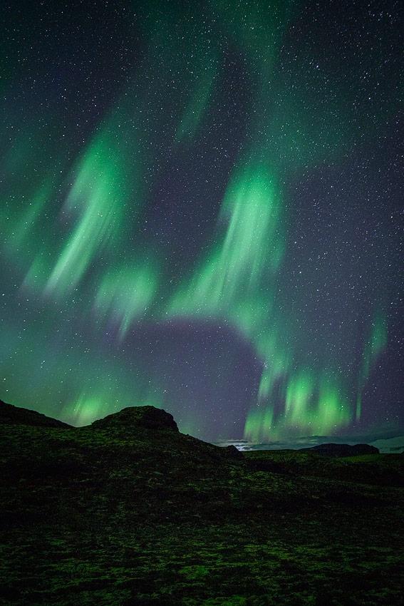 aurore boréale pres de thorsmörk en Islande