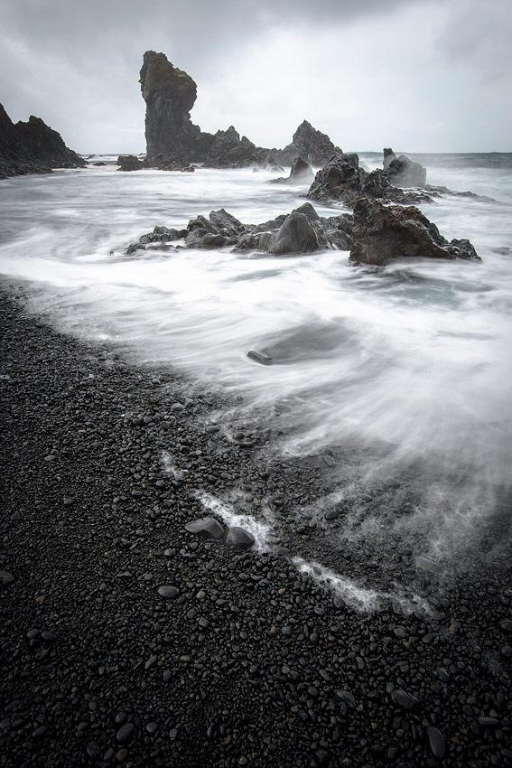 Djùpalon , plage de sable noir , péninsule de snaefellsnes en Islande