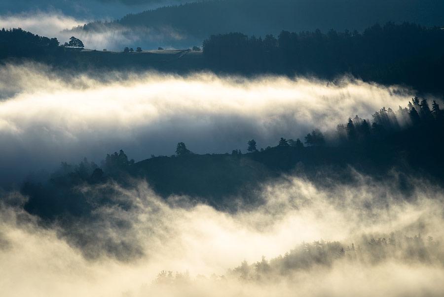 Brume dans les Gorges de l'Allier, Haute-loire, Auvergne