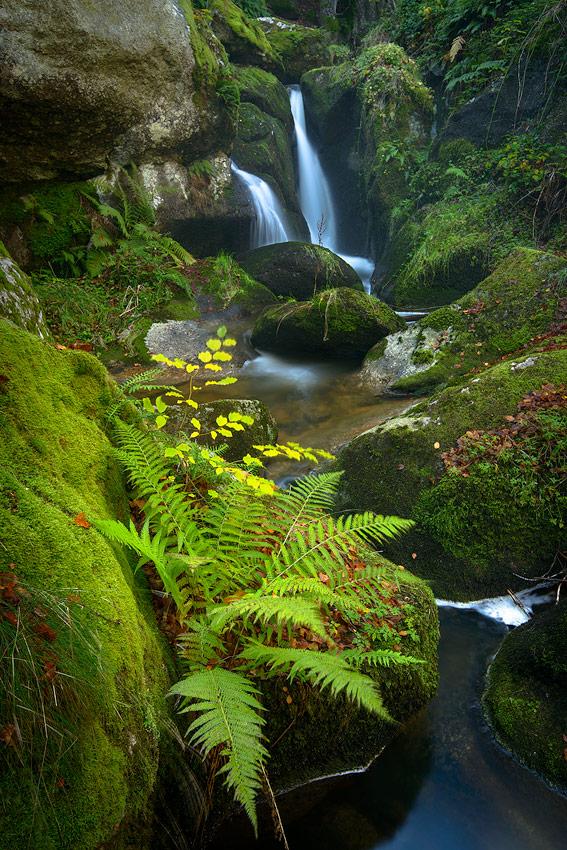 pose longue à la cascade de la Besque, Haute-Loire, Auvergne