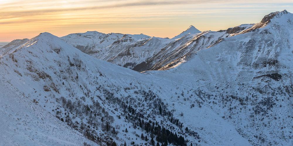 photographie panoramique sur le puy Mary en hiver