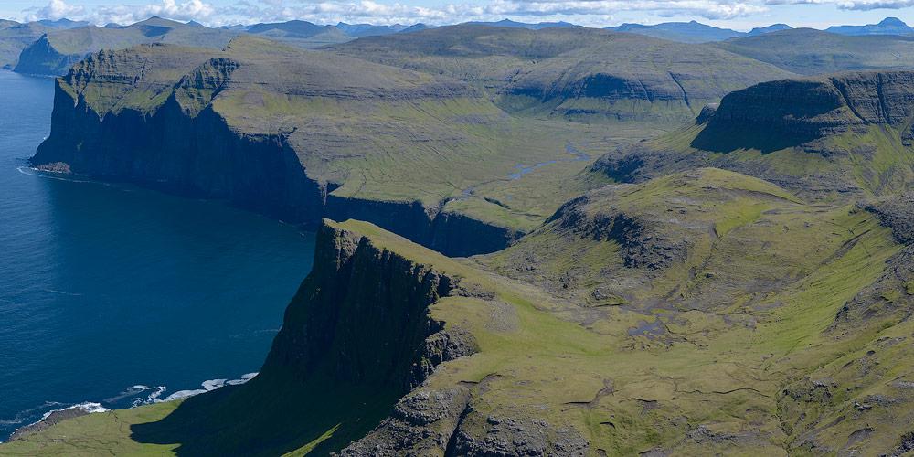 paysages volcaniques des iles féroés