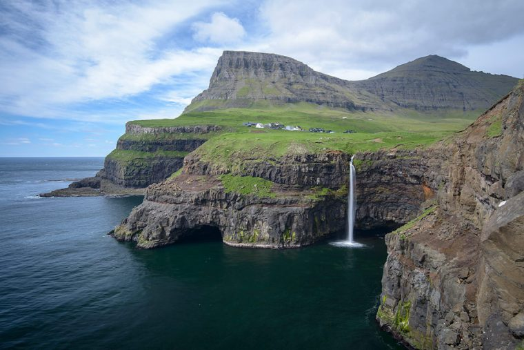Voyage aux Îles Féroé – découverte de l'île de Vagar : Gasadalur, Vidvik, Leitisvatn  (1/2)