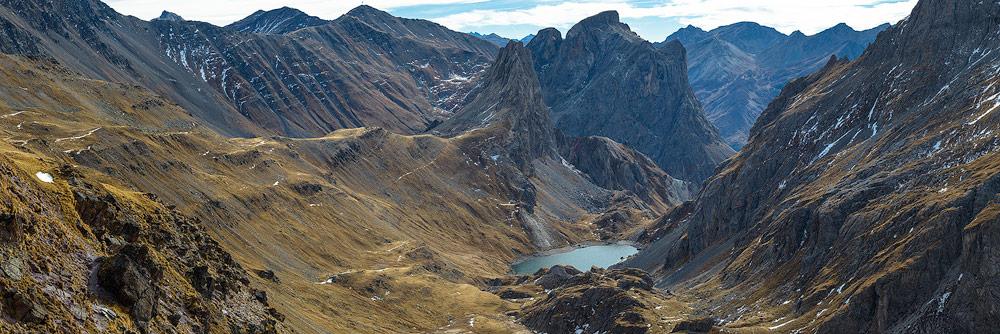 panorama depuis le col de la Ponsonnière dans le massif des Cerces, alpes francaises