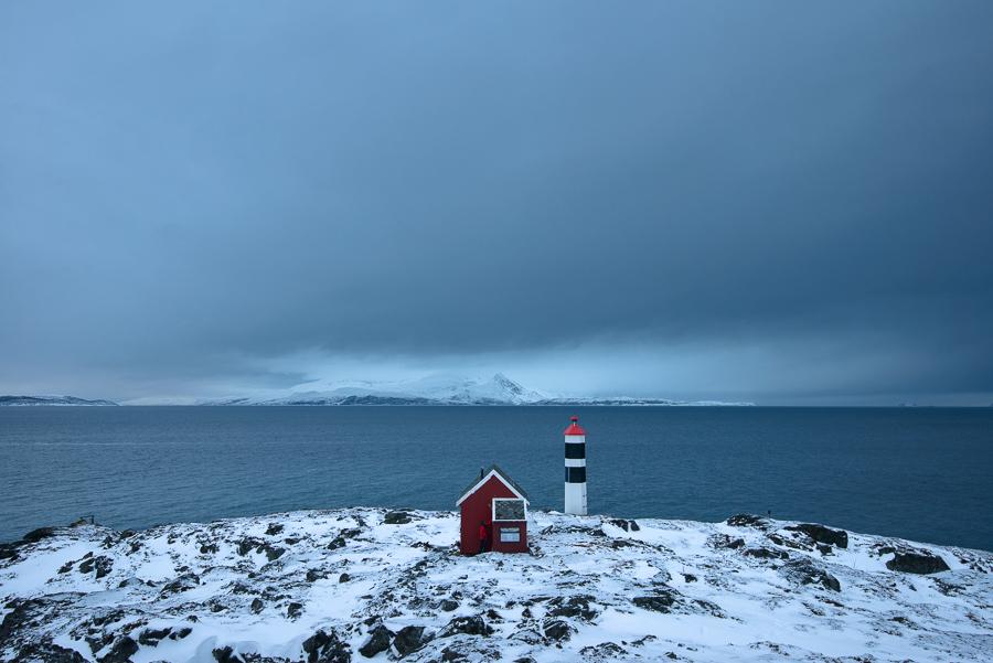 cabane de Lyngstuva dans les alpes de Lyngen en Norvège