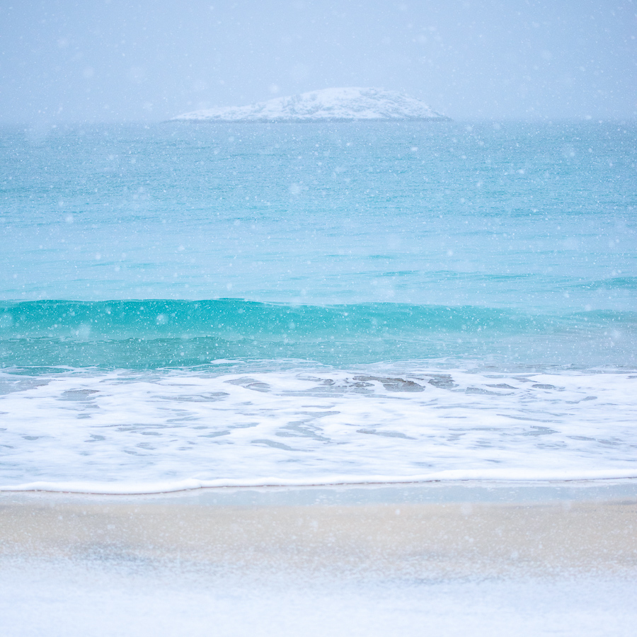 tempête de neige sur la plage de bovaer