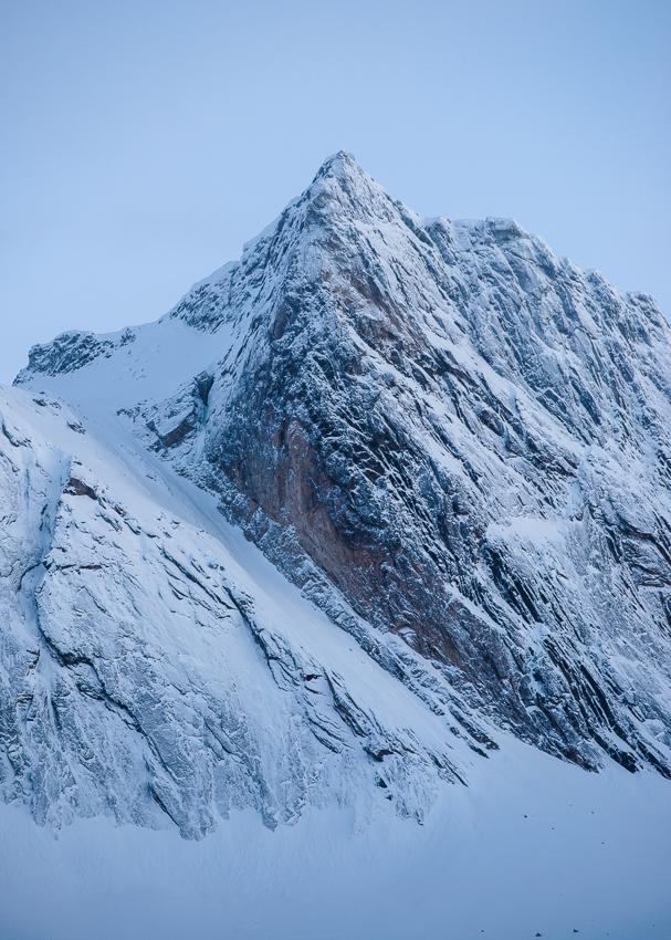 le sommet du Breitinden en Norvège